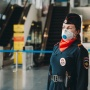 Тюменцев, не надевших маски, снимают камеры и «сдают» в суде