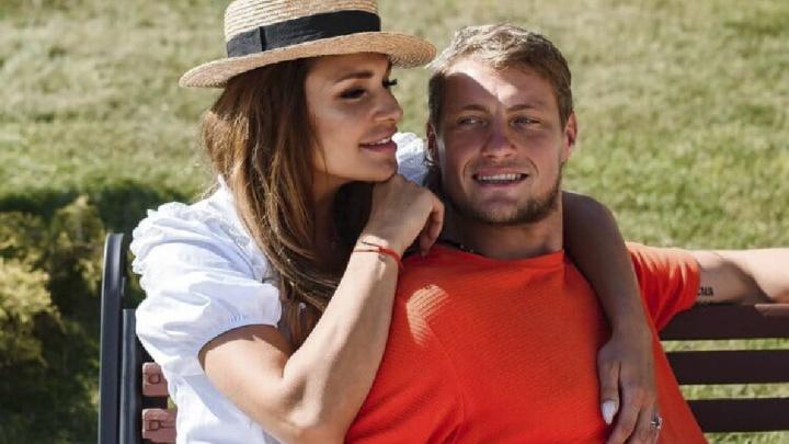 «Дети любят не за деньги»: звезда шоу «Дом-2» вступилась за мужа-алиментщика