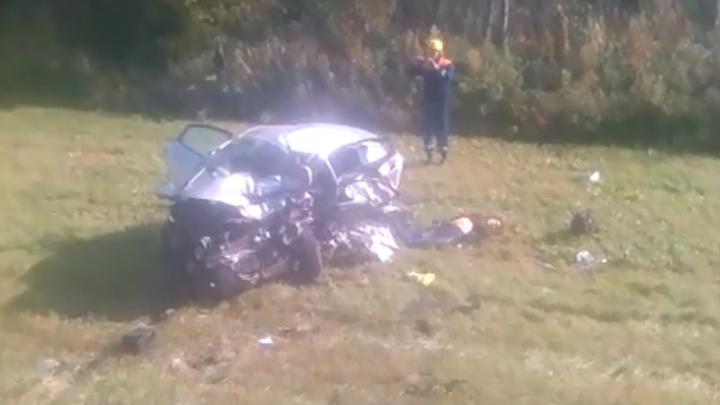 Двое погибли, один в больнице: массовое ДТП произошло на трассе в Ярославской области. Видео