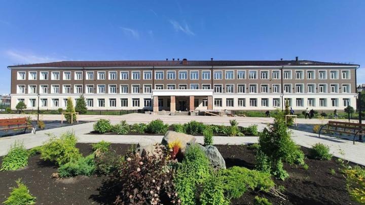 Илья Середюк показал обновлённую кемеровскую гимназию № 21