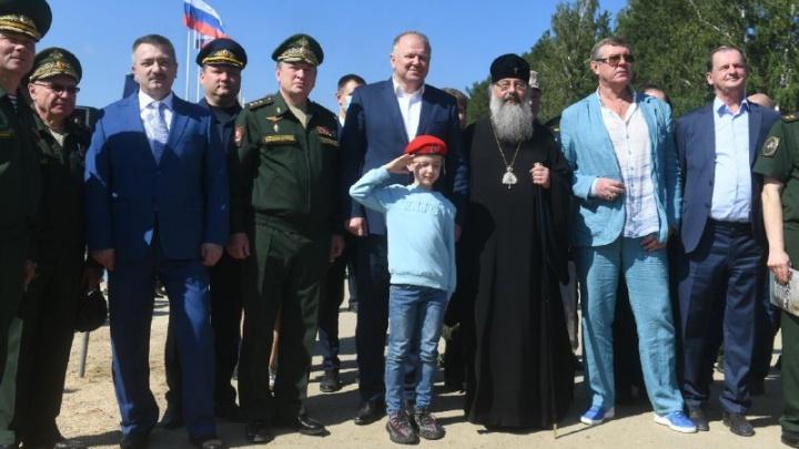 Экскурсию провел лично командующий войсками ЦВО: на форум «Армия-2020» приехали ВИП-гости