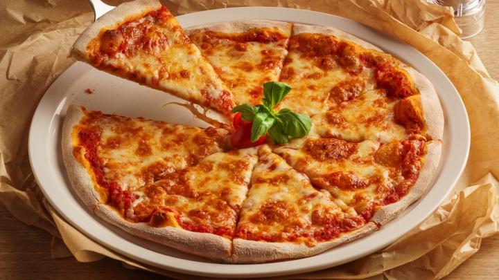 Праздник у детей, а подарки родителям. Настоящую итальянскую пиццу можно получить в подарок на 1 сентября