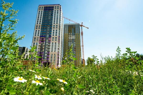 Чтобы не жить на стройке, стоит выбирать дома, которые завершают строительство квартала