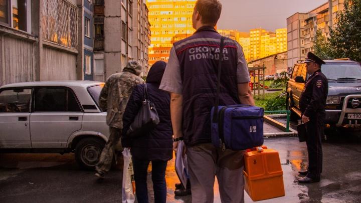 В Новосибирске освободили пенсионерку, которую насильно удерживал мужчина — он требовал властей и журналистов