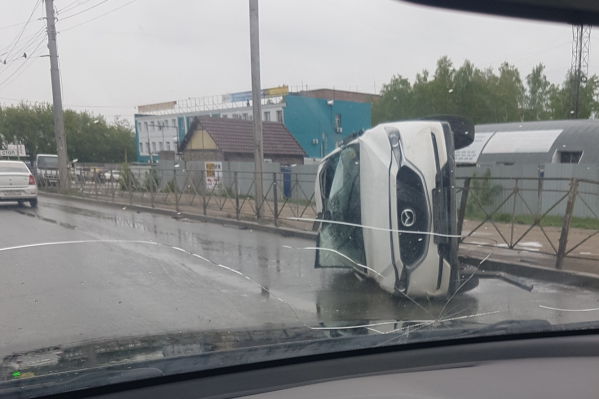 Автомобиль повреждён достаточно сильно, а водитель в порядке