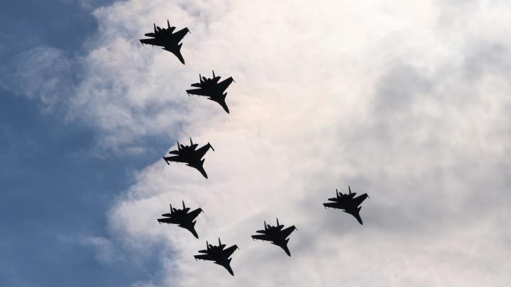 Штурмовики и истребители: военные провели репетицию парада Победы в Ростове