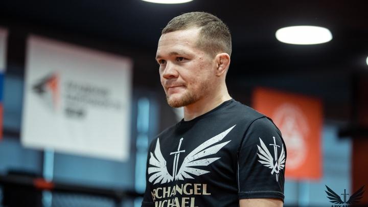 Уральский боец Петр Ян подписал контракт на титульный бой в UFC