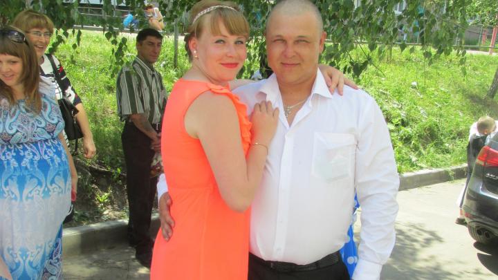 «Всё держалось на муже»: погибший в ДТП росгвардеец прошёл Чечню, помогал родителям и воспитывал двоих детей