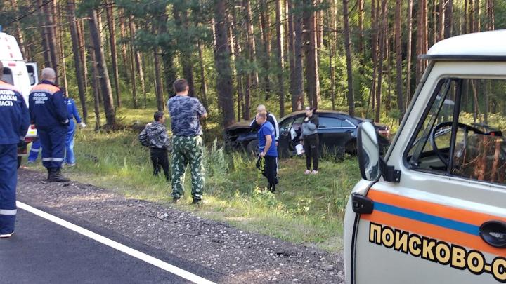 «Трое погибли, ещё один — в больнице»: в Ярославской области иномарка угодила в ДТП