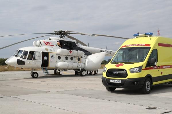В вертолете МИ-8 естьИВЛ экспертного класса, многофункциональный монитор, дефибриллятор