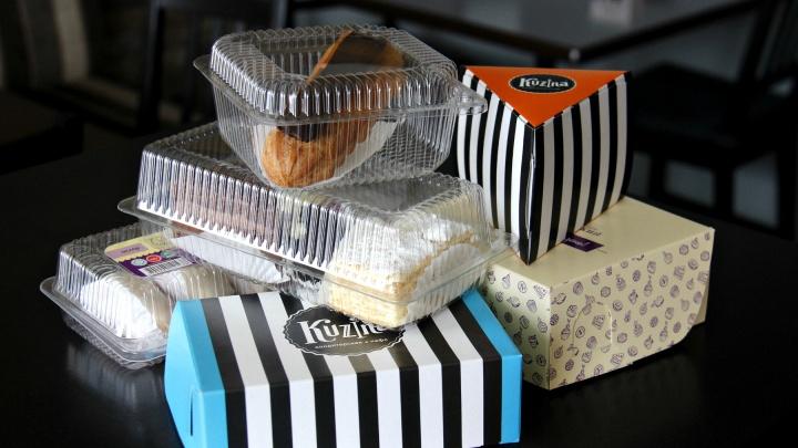 Заедаем стресс сладким и вслепую тестируем одинаковые пирожные из 3 кондитерских. Где вкуснее?