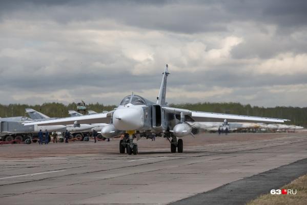 От военных в воздушных парадах чаще всего принимают участие бомбардировщики Су-24