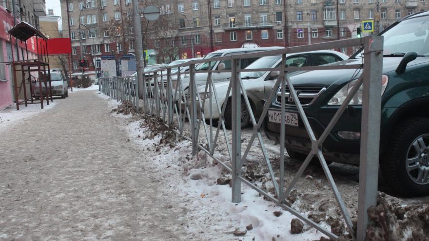 Заборчик на миллионы: кто застроил Новосибирск кладбищенскими оградками и сколько на этом заработал