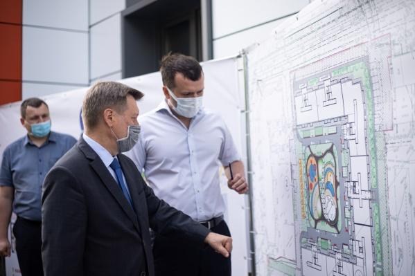 Сергей ВладимировичОтмашкин, директор ГК «Союз», и мэр Новосибирска Анатолий Евгеньевич Локоть