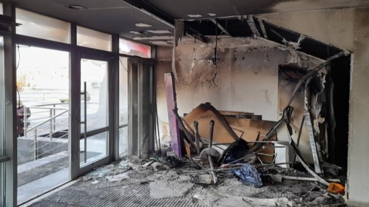 Причиной пожара в котласском торговом центре «Столица» назвали неосторожное курение