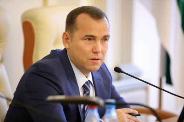 Вадим Шумков отметил, что сейчас все жители Зауралья должны сплотиться, чтобы с наименьшими потерями выйти из сложившейся ситуации
