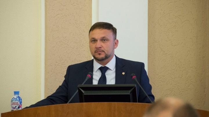 Главе Омского района Геннадию Долматову покупают внедорожник за 2,5 миллиона рублей