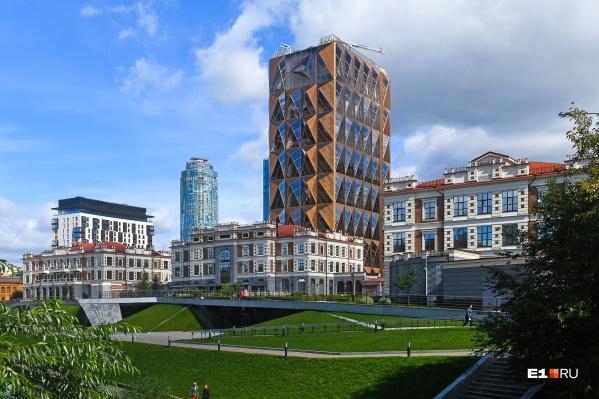 Cвоей архитектурой здание напоминает кристалл меди