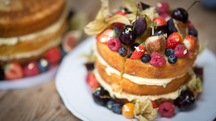 Торт, трайфл, зефир и капкейки: рассказали, где найти вкусные десерты в Архангельске