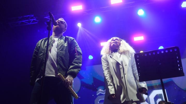 «Впервые исполнила эту песню на сцене»: Елка представила премьеру трека с RSAC на Ural Music Night