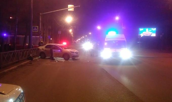 От удара выбило стекла: в аварии в Ярославле пострадали люди