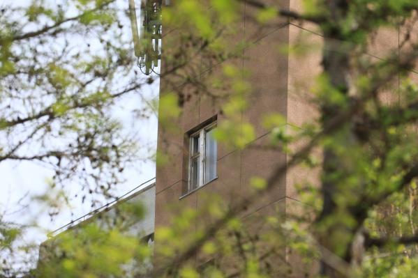 Елена Непомнящая выпала из окна госпиталя ветеранов с 5-го этажа