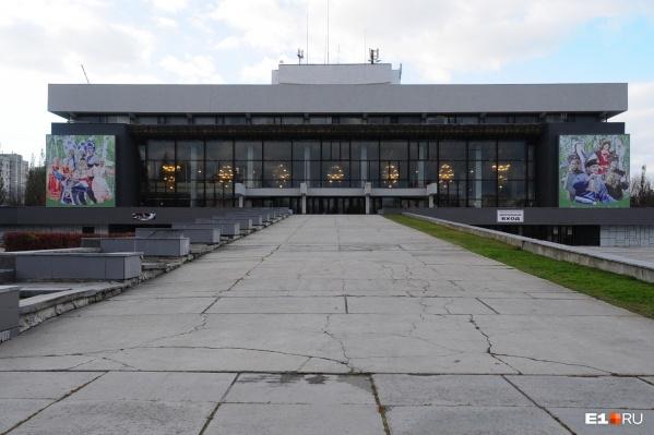 Общественники хотят, чтобы историческая часть Уралмаша сохранила свою этажность — два-пять этажей