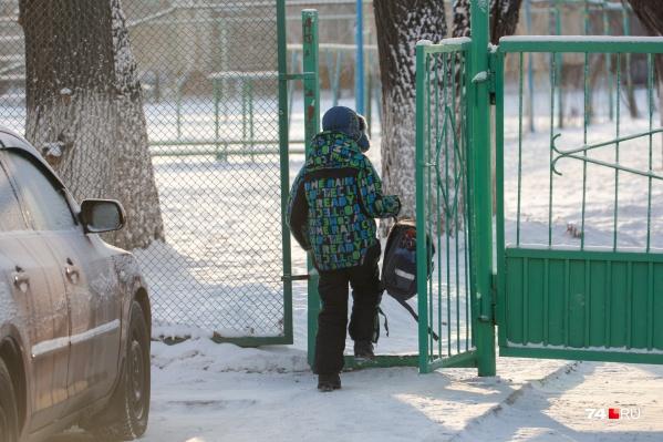 На мини-каникулы из-за холодов отправили не только младшеклассников