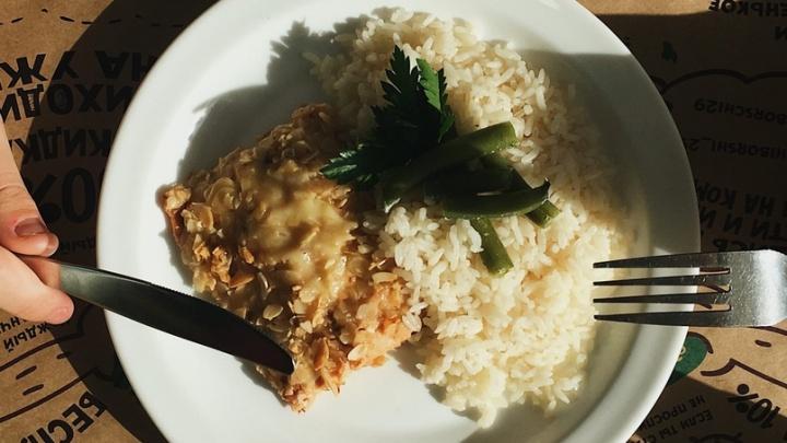 Домашняя еда с доставкой: столовая «Щи Борщи» привезет северянам вкусные обеды и ужины