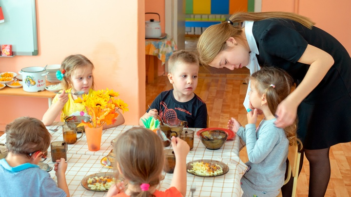 Детсады в Омске будут открывать поэтапно