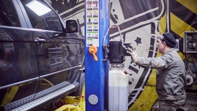 Расход топлива уменьшится вдвое: уральцам предложили бесплатную замену катализатора автомобиля