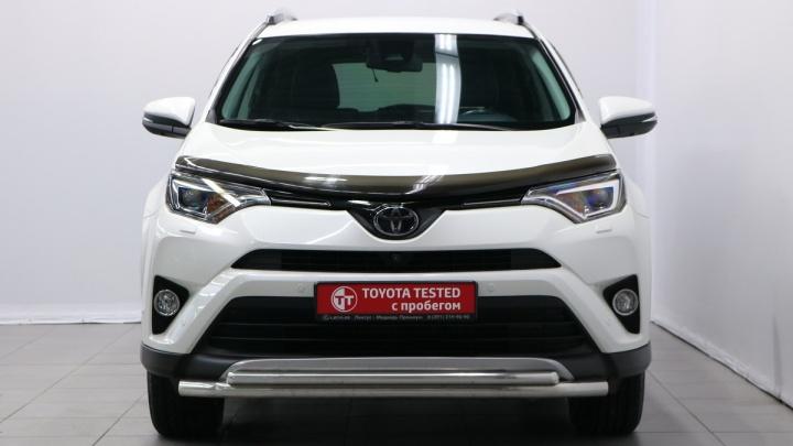 Как новые, только с пробегом: красноярцам предложили сертифицированные автомобили Toyota