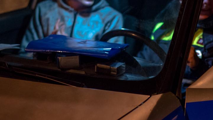 Бежал от патруля по полю: появилось видео ночной погони за пьяным водителем в Самарской области