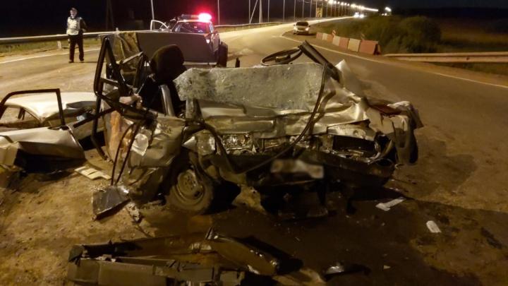 Машина разбилась всмятку: в Башкирии в аварии погиб мужчина