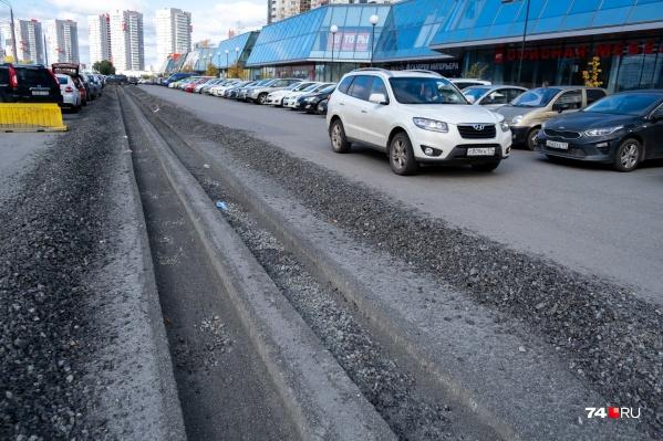 Парковкупротяжённостью около 500 метров около МФЦ на Труда, которую автомобилисты называют сущим адом, сделают удобной