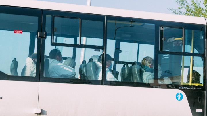 В Омск привезли ещё полсотни вахтовиков из Якутии