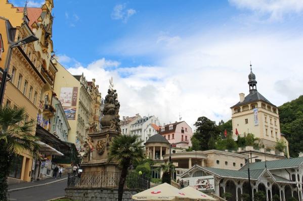 Карловы Вары — один из городов-побратимов Омска. Правда, омичам этот город больше всего знаком как любимый курорт бывшего мэра