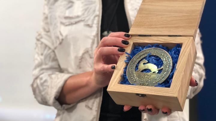 Медали Пермского марафона доставили в город. Их будут выдавать три дня