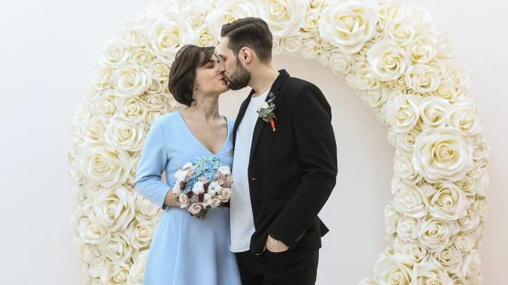 Коронавирус укрепляет брак? Число разводов в Свердловской области резко упало