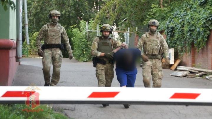 Двое мужчин избили предпринимательницу в ее загородном доме, угнали «Мерседес» и забрали 10 млн