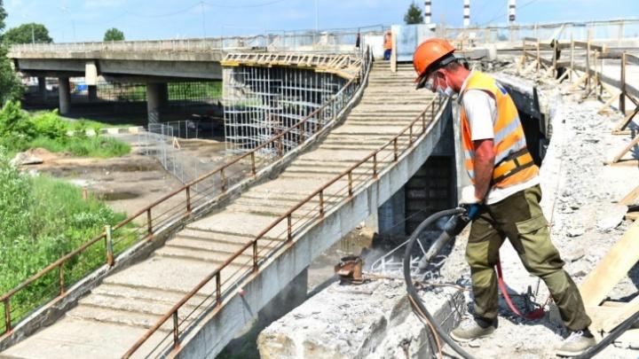 Запрет движения по Добрынинскому мосту продлили на месяц