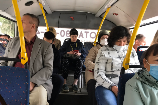 Не все пассажиры носят маски