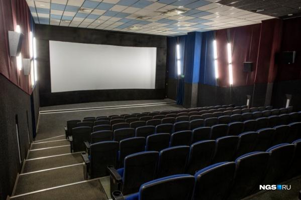 Представители российских киносетей заявили, что запрет на работу кинотеатров в ТРЦ убьет в Новосибирске киноиндустрию