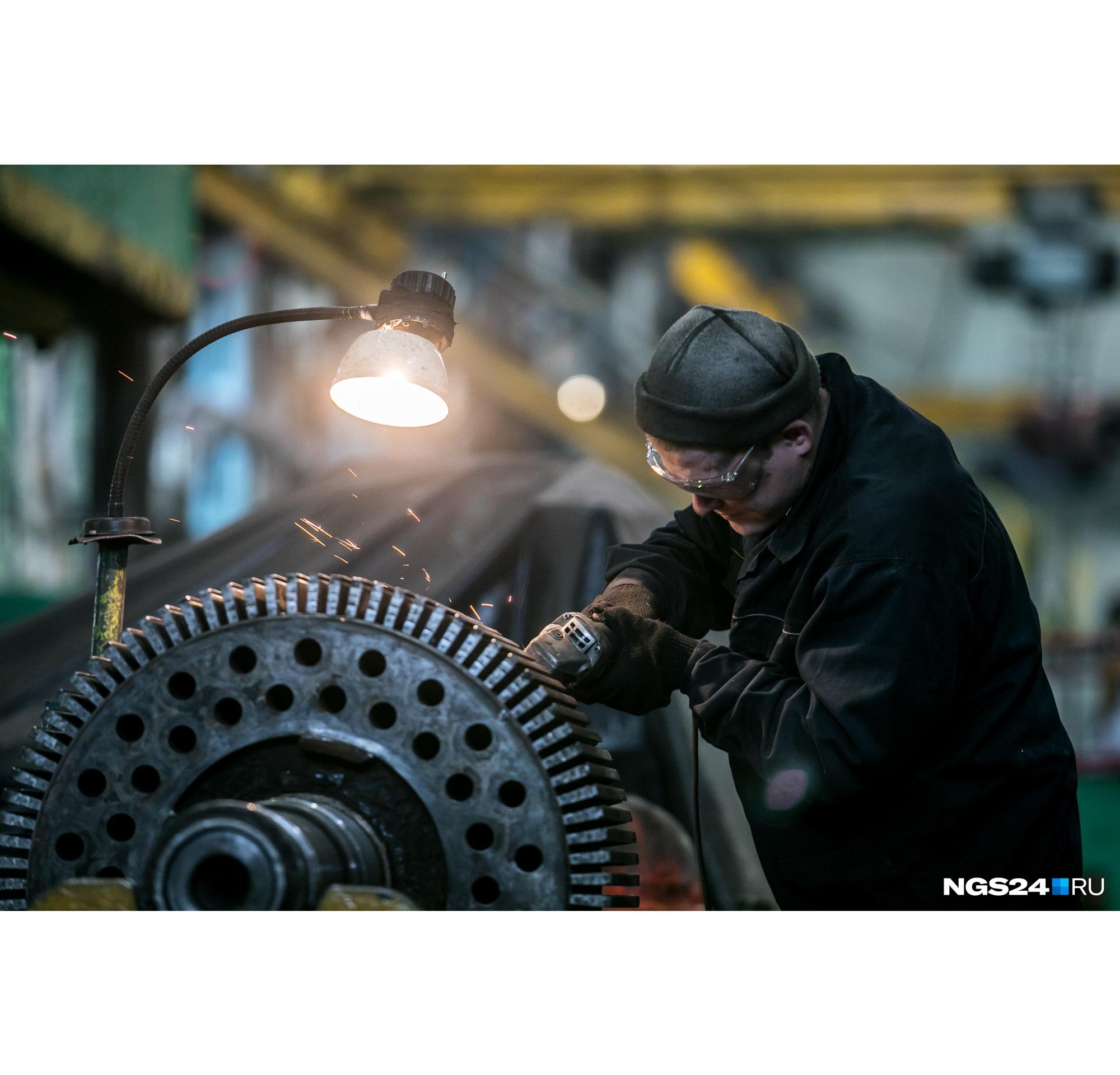 Работа идет в основном на станках советского времени