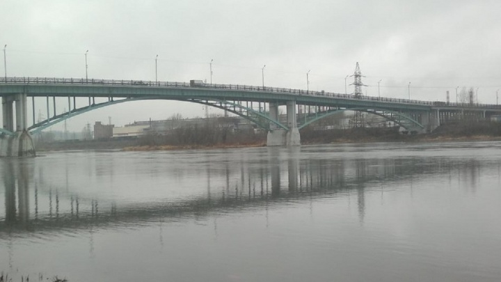 В Чусовом в реке нашли тело мужчины. Родные предполагают, что он не справился с горем после гибели жены