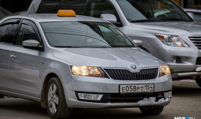 Чем мне кормить семью? История таксиста, получающего 300 рублей за смену — считаем его расходы и доходы