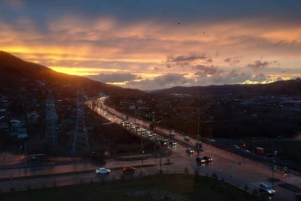 Красноярцы заполнили ленту«Инстаграма» фотографиями сегодняшнего заката
