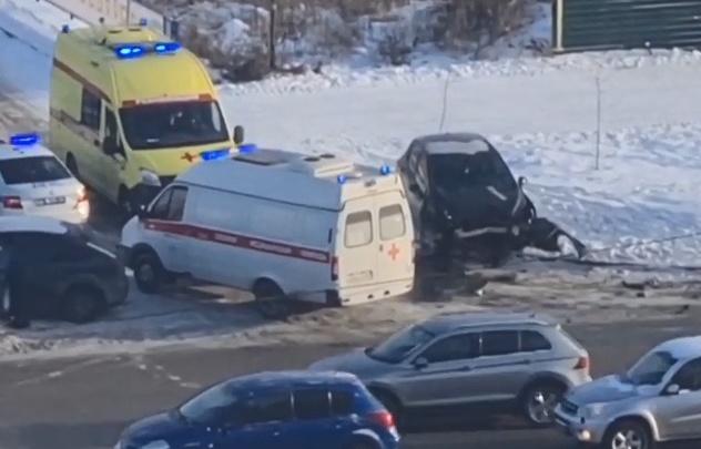 Два человека попали в больницу после столкновения четырех автомобилей в Челябинске