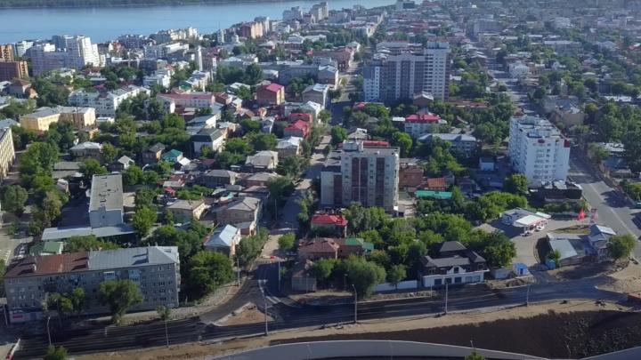 Видео: на развязках Фрунзенского моста в центре Самары начали укладывать асфальт