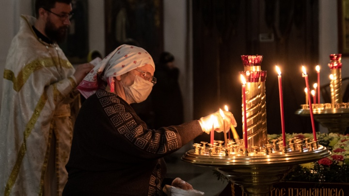 Не все пермяки услышали просьбу митрополита не посещать храмы. Как проходила Пасхальная ночь в пермских церквях